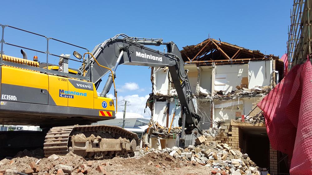 Broadbeach-demolition-(3)